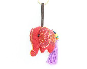 Llavero de elefantes con borla seda accesorios por Mybelovedcrafts