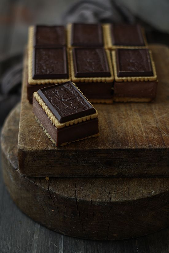 {Chocolate cheesecake sandwiches}:: recipe
