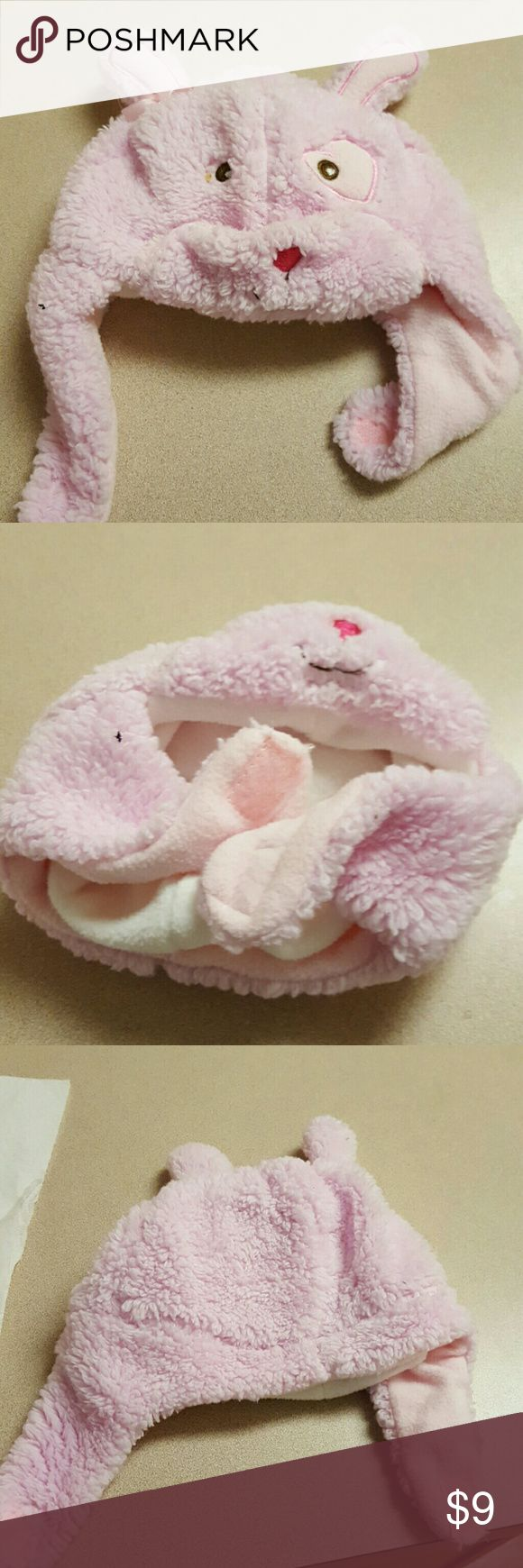 Infant Girls Winter Hat Cute pink winter hat with fleece lining. Too small for my daughter. Velcro closure. Accessories Hats