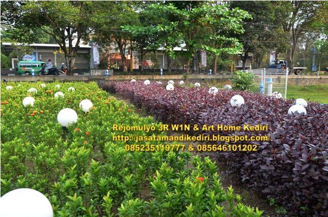 Design pembuatan jasa tukang seni taman,relief,air terjun,kolam, taman minimalis,kolam renang.: Jasa taman kediri
