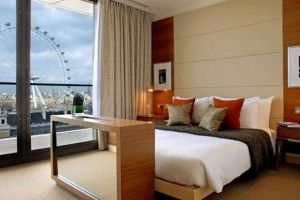 Hotel Penthouse Bedroom Interior Design of Park Plaza County Hall London UK 620x414 bedroom interior designs hall 4 300x200 Bedroom interior designs hall