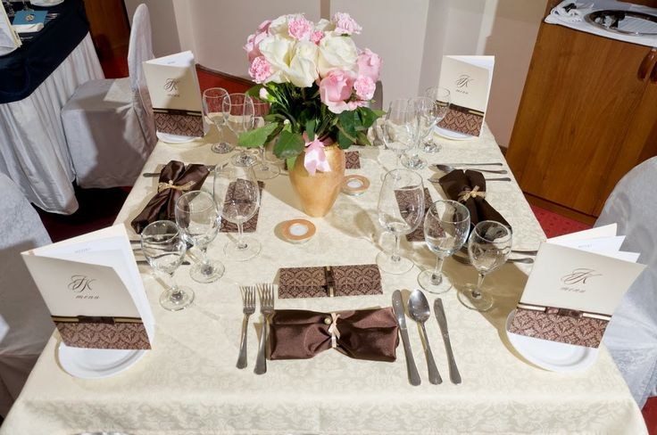 JACQUELINE KENNEDY table