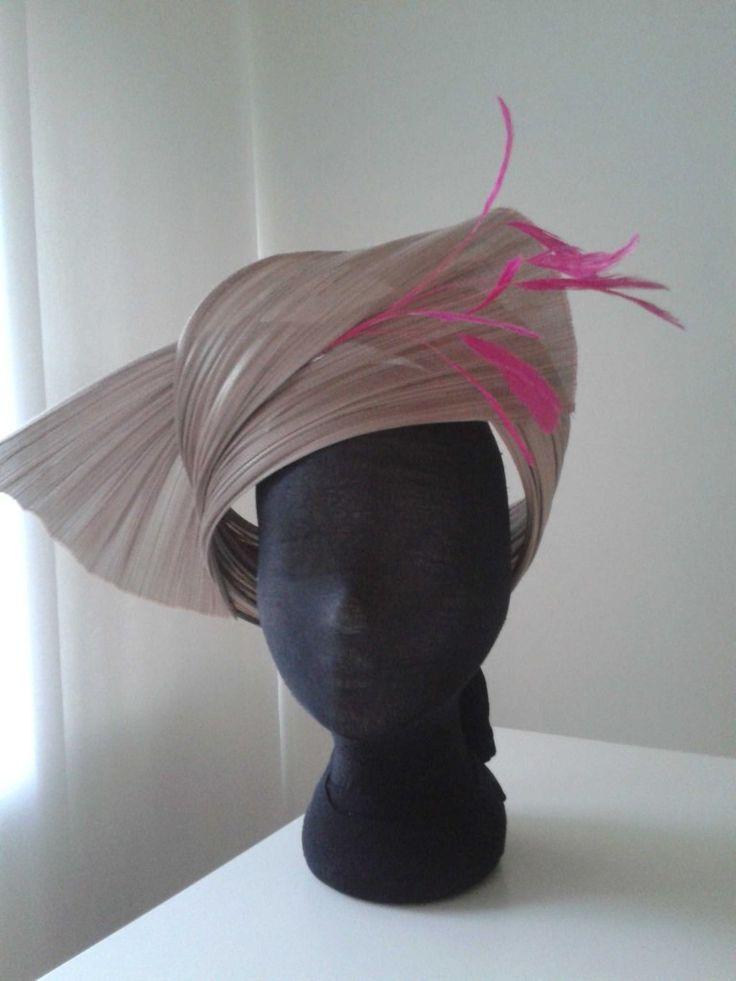 Alex Hospers, Hospers Hoeden, roze hoed, rond gezicht hoed