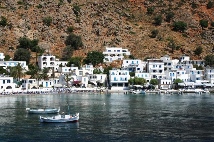 # Crète : idyllique petit port de pêche de Loutro de la côte sud.