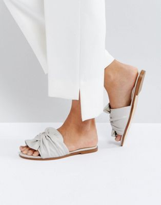 Miss Selfridge Bow Sandal