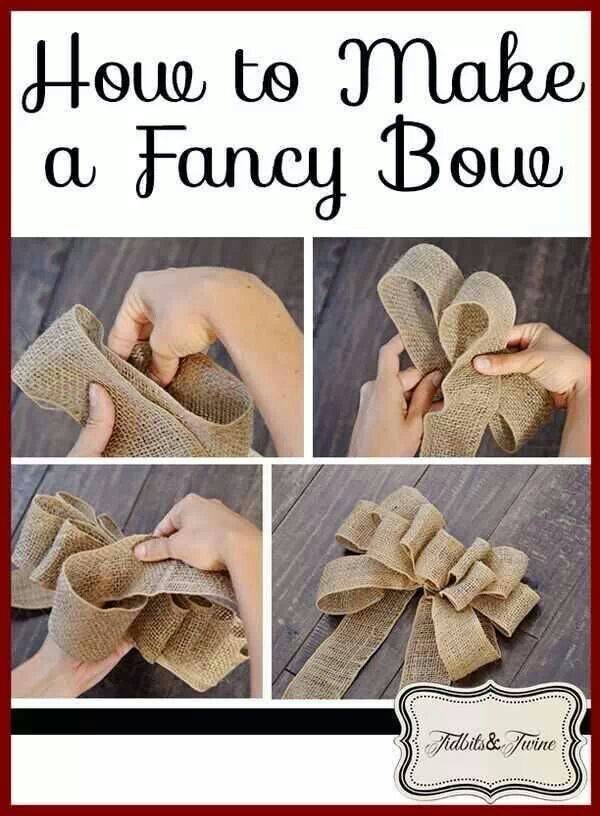 Burlap bow for tree