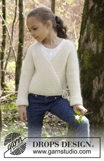 """Titania - Knitted DROPS jacket in garter st and with overlap in """"Alpaca"""" and """"Kid-Silk"""". Size 3-12 years - Free pattern by DROPS Design"""