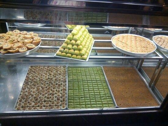 Hacı Bozan Oğullari en güzel tatlılar ~ Istanbul Laleli ~ Rusian neighborhood