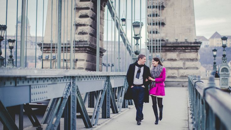 Budapest Chain Bridge engagement session