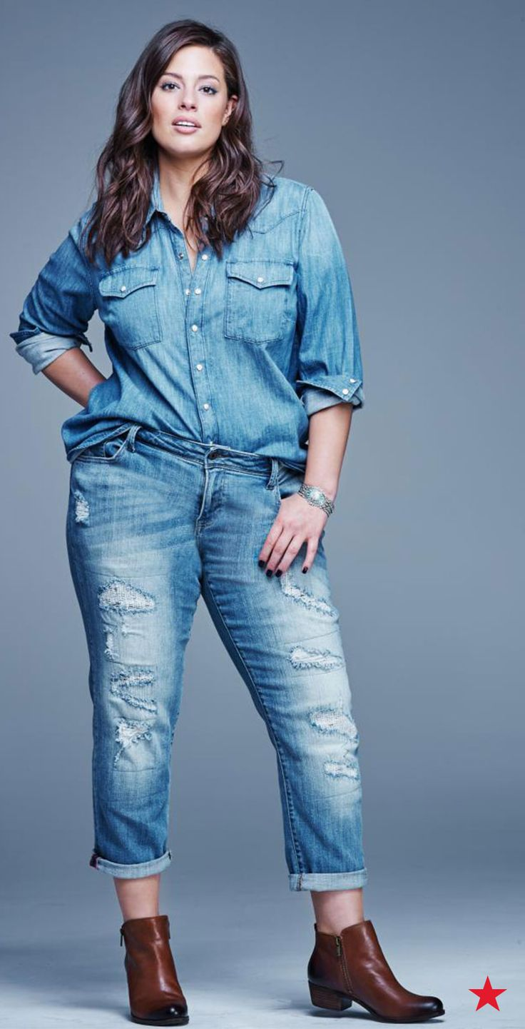 Ashley Graham totally nails fall's hottest denim on denim look: A woven chambray shirt and distressed boyfriend jeans. We love how these Lucky Brand plus size jeans have a relaxed fit and a cropped and cuffed leg —perfect for pairing with booties!