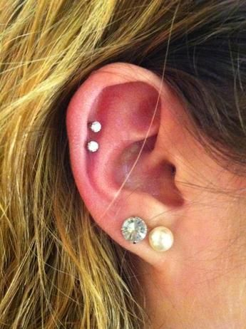 Hello 18th birthday present to myself;)) (double cartilage piercing)