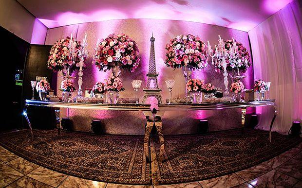 Você vai pirar na festa pink (com detalhes em preto) da Agta Raquel