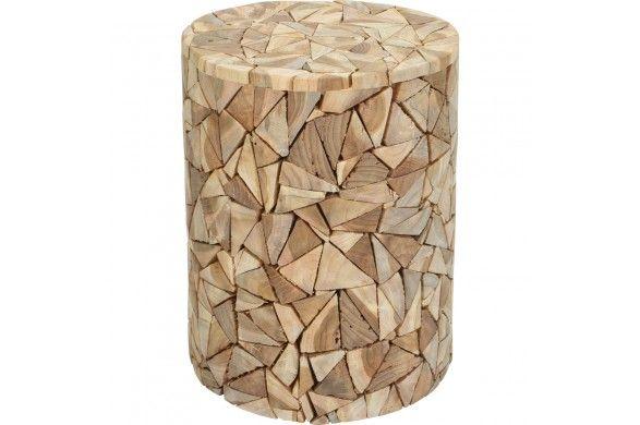 Trendhopper ● Kruk Mosaic van teak dient ook prima als extra bijzettafel.