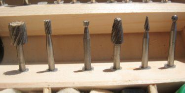 High speed cutters can be used with the following materials:        Bookboard      Linoleum      Wood