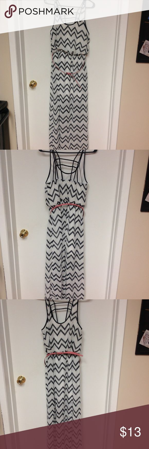 """White/black chevron maxi dress White/black chevron maxi dress. Cute back strappy design. Salmon colored mini belt comes with but can also be worn without. Cinched just under boob area. Also for reference I am 5'8"""" and it hits my ankles Dresses Maxi"""