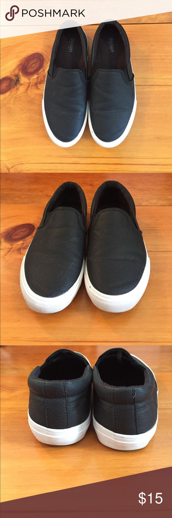 Black slip on sneakers Black slip on fashion sneakers from old navy. Excellent condition worn twice. Perfect for spring summer and fall! Old Navy Shoes Sneakers