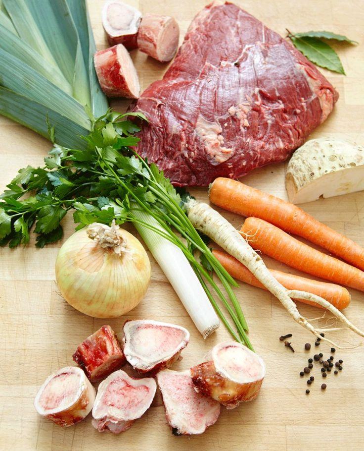 Rezept für Tafelspitz (Grundrezept) bei Essen und Trinken. Und weitere Rezepte in den Kategorien Gemüse, Gewürze, Kräuter, Rind, Hauptspeise, Kochen, Einfach, Gut vorzubereiten, Klassiker.