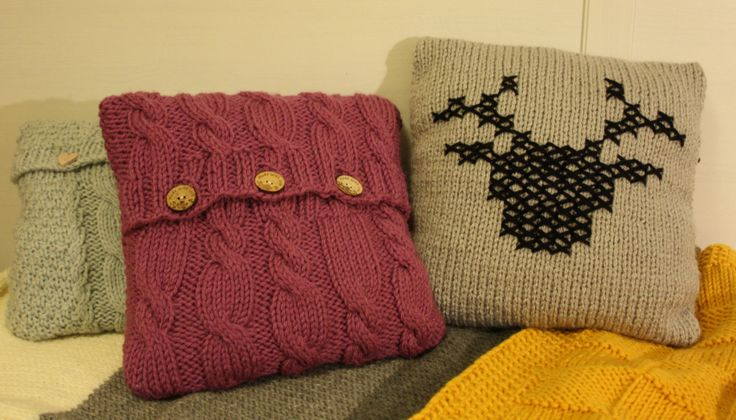 hand made knit pillow cover cable deer