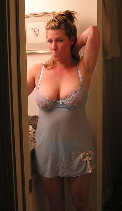 Dressed And Sexy Milf  Lingerie For Fun-8322