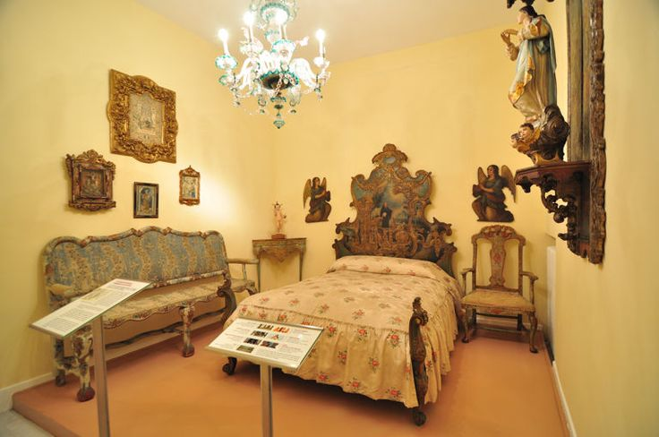 72 best images about fabulous rococo on pinterest - Lamparas estilo barroco ...