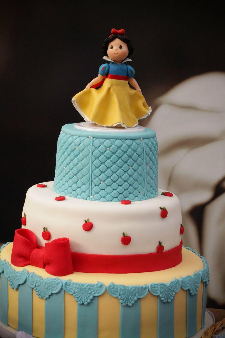 Snow White cake: Cakes Ideas, Baby Snow White, White, White Cakes, Snow White Cake, White Birthday Cakes, Parties Cakes, Girls Parties, De Neve