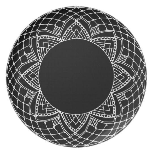 Teller mit abstraktem Ornament #plate #home #decoration #deco #kitchen #ornament #handdrawn #blackwhite #abstract #ornate #modern #design #dinner #gift #idea