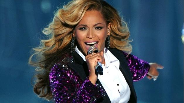 Beyoncé surpreende fã no Skype (veja o vídeo)