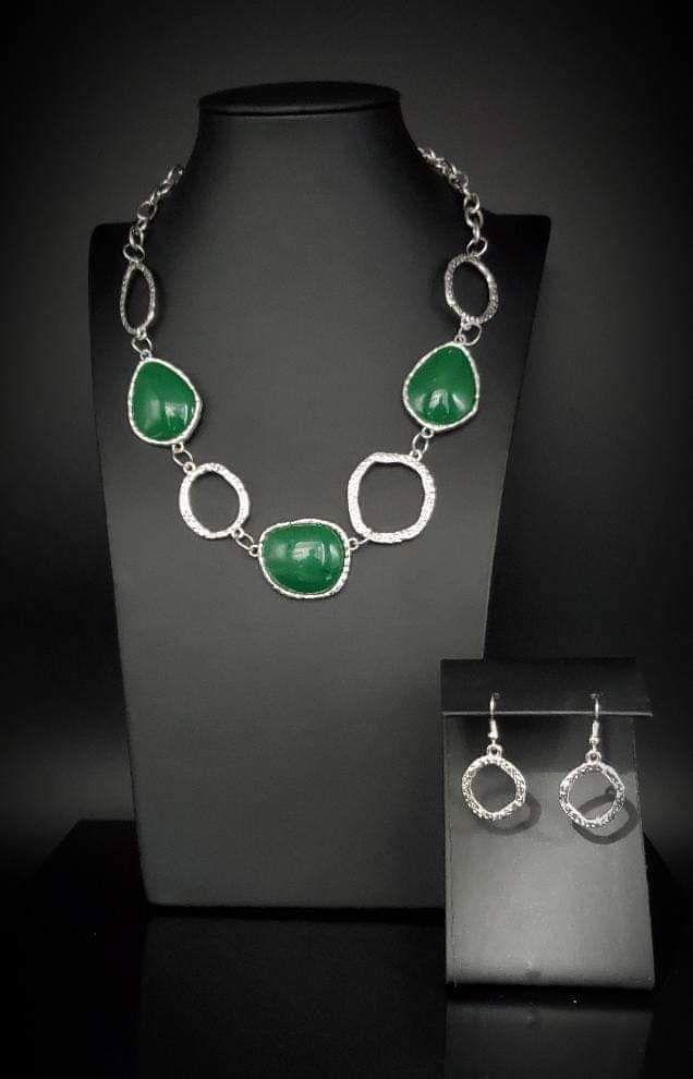 Haute Heirloom Green Necklace Paparazzi In 2020