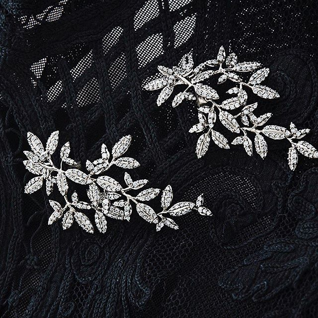 The most precious details! The exquisite Winter Frost earrings uniquely present the beautiful craftsmanship and significant fine details of the entire Winter Frost collection.  Shop the Collection on link in bio. #sparklingseason #winterfrost #winterfrostcollection #18k #whitegold #diamonds #pave #olelynggaardcopenhagen #olelynggaard #charlottelynggaard @charlottelynggaard_dk
