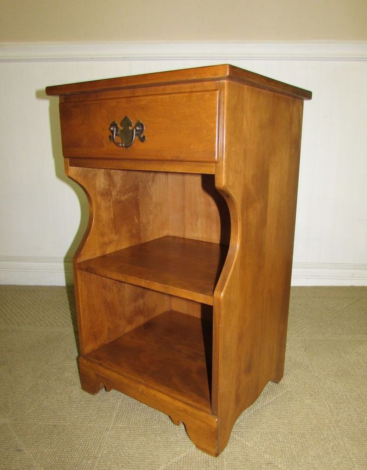 Vintage Maple Furniture  ETHAN ALLEN NUTMEG MAPLE NIGHTSTAND,- maple nightstand, made and authentically branded by ethan allen furniture as part of their nutmeg maple collection.