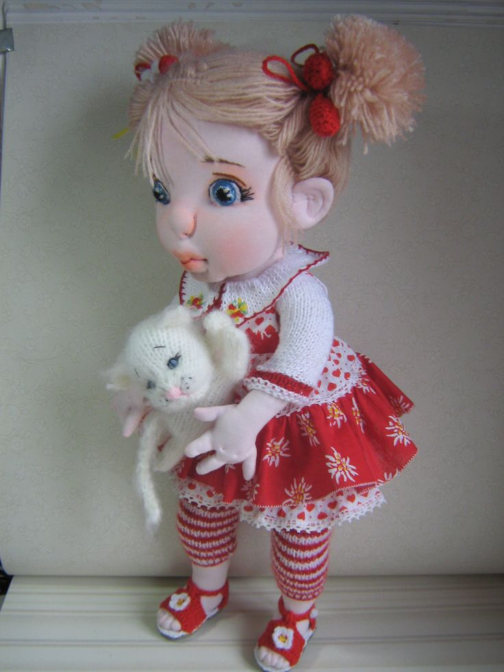 is a17'' OOAK soft sculptured doll  https://www.facebook.com/pages/Maria-Negreanu/208779939160289?notif_t=page_new_likes doll.
