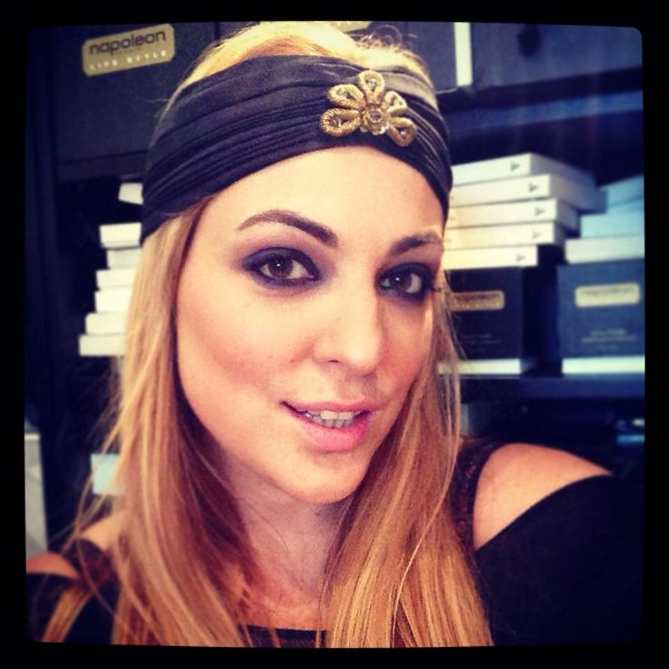 Head band from H&M Make-Up from Napoleon Perdis