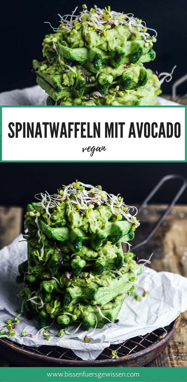 Grün grün grün sind alle meine Waffeln! Mit etwas Spinat geht das ganz einfach. Mit diesem veganen Rezept in deutsch für Spinatwaffeln mit Avocado und Sprossen bringst du mehr Grünzeug in dein Leben und das schmeckt ganz wunderbar! Als Frühstück, Mittagessen oder Abendessen. Glutenfrei möglich, wenn du den Anteil an Kichererbsenmehl erhöhst und das Dinkelmehl weglässt. Rezept vegan deutsch, Waffeln backen