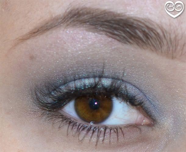 Fototutorial: 3 kleuren blauw oogschaduw voor overdag - Mascha's Beautyblog - Beautygloss.nl : Mascha's Beautyblog – Beautygloss.nl