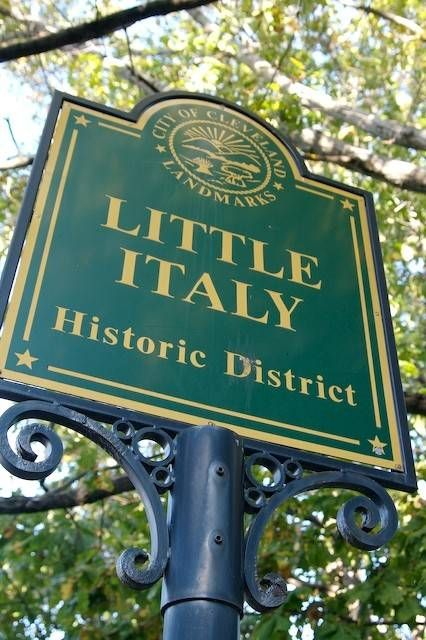 A Walk around Cleveland's Little Italy neighborhood. They have some fabulous foods in this area.- Exploring Little Italy in Cleveland.