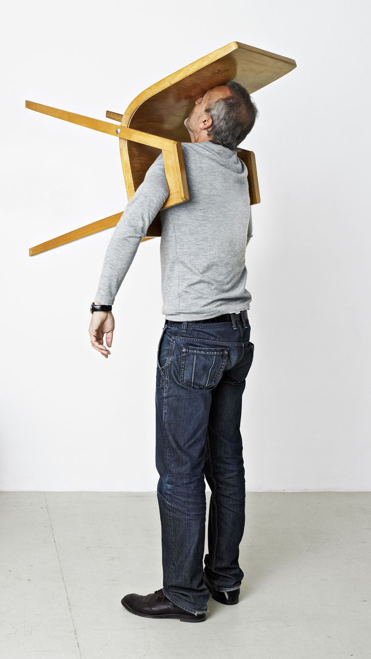 ERWIN WURM. One minute sculpture. The Idiot III.