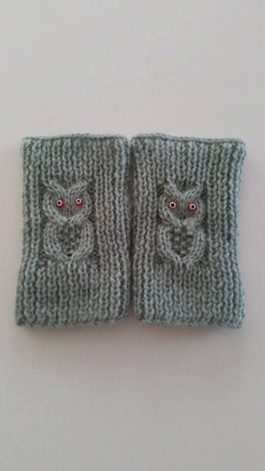 Sweetly hand knitted owl fingerless gloves. Gloves are made in wool , which makes the gloves lovely and thick.