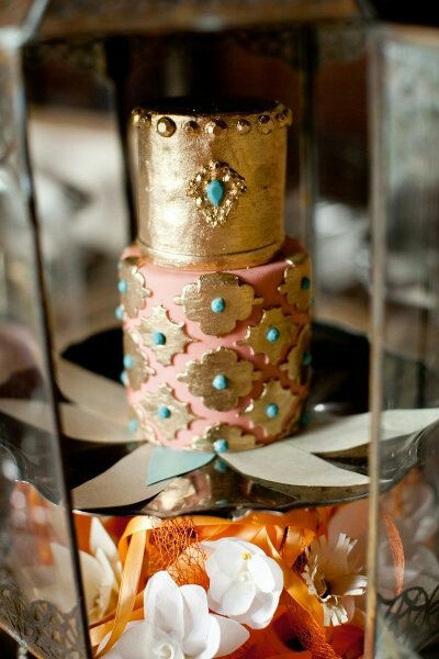 omg cool way to add gold and jewel look to cake never imagined anything like this could be used in indian theme sweet and saucy