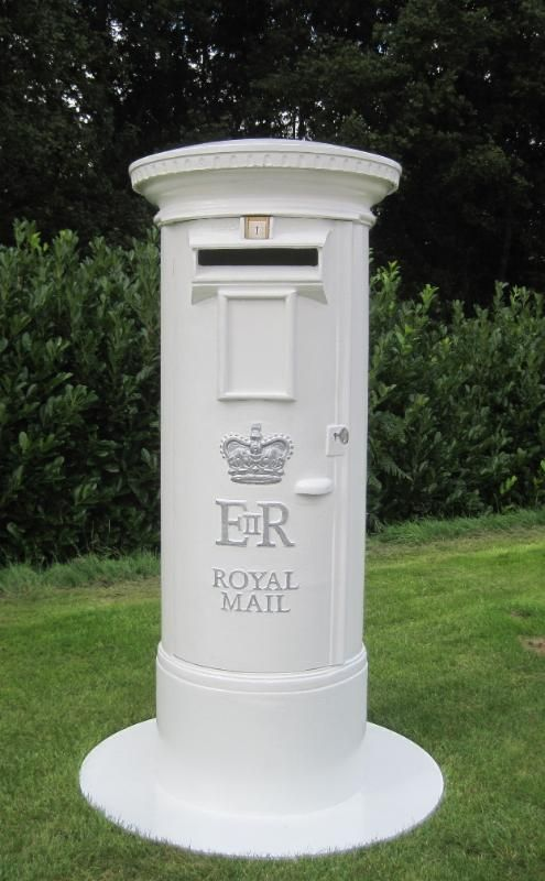 UKAA Buy And Sell Original Antique ER Cast Iron Pillar Post Boxes For Wedding Days Receptions Venue Hire Hotels Online Sale In Our
