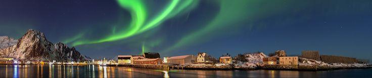 Kuzay Işıkları - Kutup ışıkları. Norveç. Nordlicht in Norwegen Svolvaer Panorama