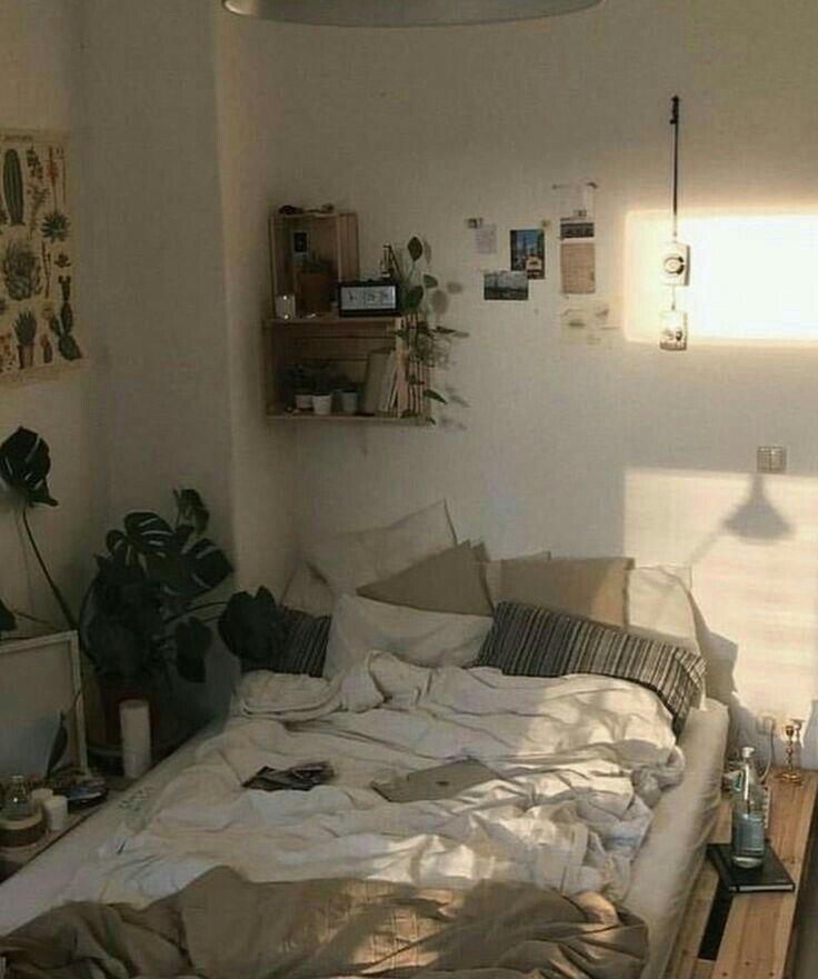 simple room inspo | Room inspo, Aesthetic bedroom, Master ...