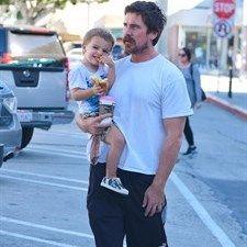 Moda: #Christian #Bale super #papà (link: http://ift.tt/2dv8nQK )