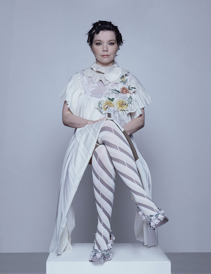 bjork-2002-du-preez-thornton-jones-gh-ft-3-05.jpg (770×1000)
