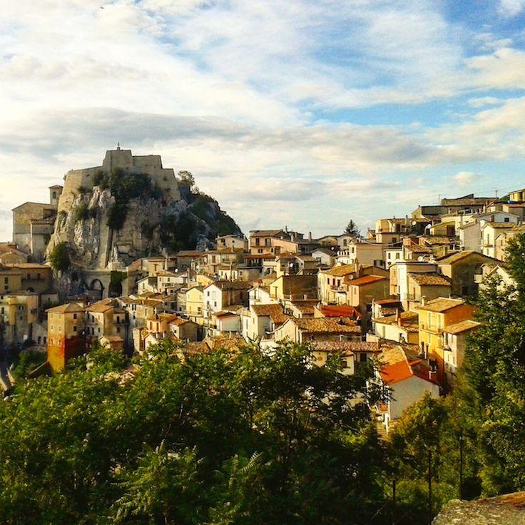 La capitale dell'aria pulita, borgo di cultura e degli artisti. Cervara di Roma è una rocca da scoprire con lo sguardo e col palato