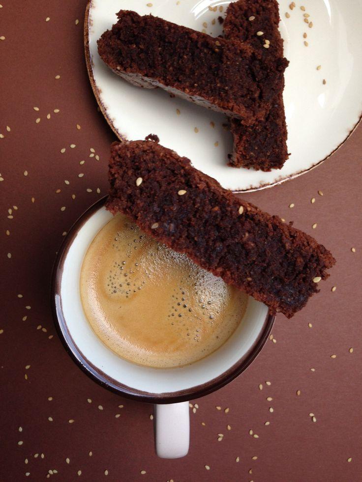 Brownie chocolat-sésame , sans gluten et sans lactose !