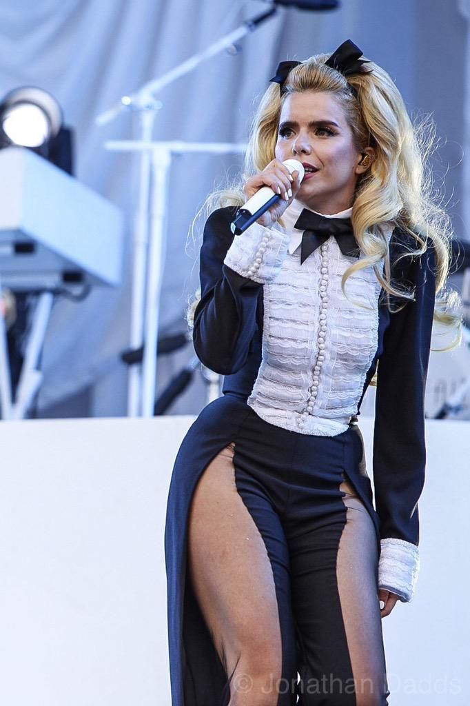 Paloma Faith at Glastonbury 2015