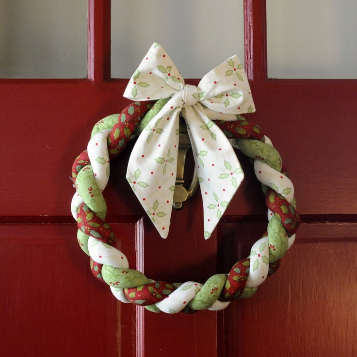 Christmas Wreath Braided FabricHolly Bow Christmas bows