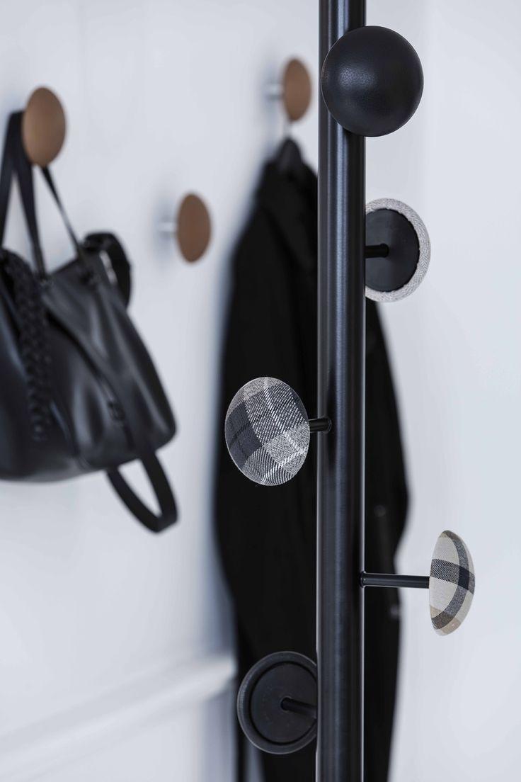 Hang-Up hallstand designed by Bent Hansen Studio #stumtjener #hallstand #hatstand #clothestree #hallstree #coatstand