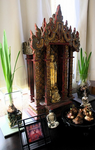 an altar in every room - retreat center - Pinned by The Mystic's Emporium on Etsy