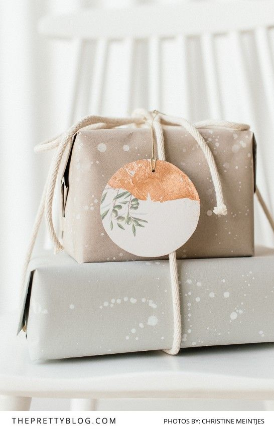 Let's Celebrate Simplicity: Make your own Wrapping Paper & Gift Tags - The Pretty Blog